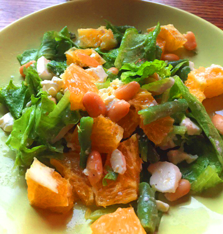 Orange salad with feta, white and green beans