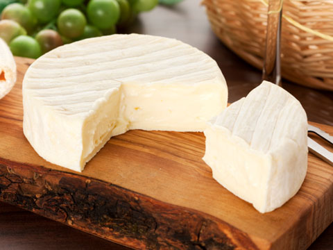 Delicious homemade hard cheese to a very simple recipe