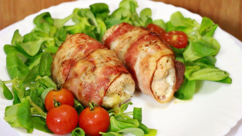 Appetizing chicken rolls in bacon