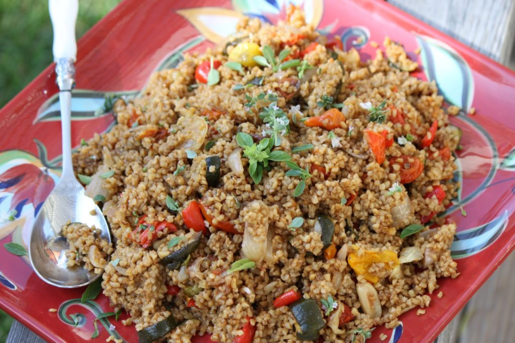 Extraordinarily delicious bulgur with meat and vegetables