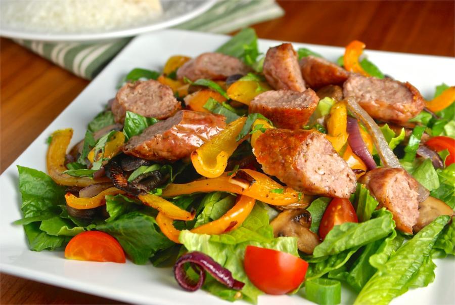 Crunch sausage salad