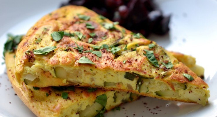 Summer omelette with courgettes