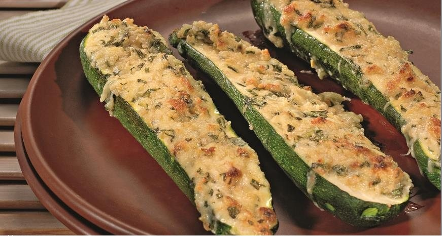 Delicious zucchini, baked with a nut
