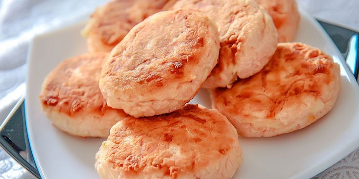 Unusual cutlets from crab sticks