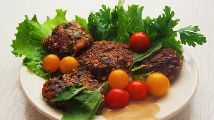 Fried eggplant cutlets without flour and meat