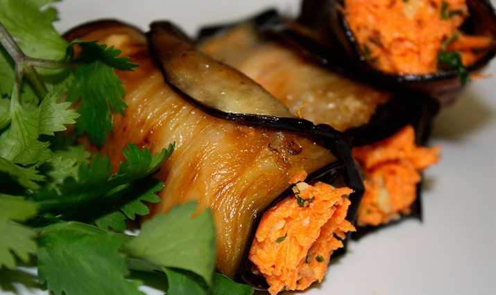 Excellent marinated aubergines with carrots