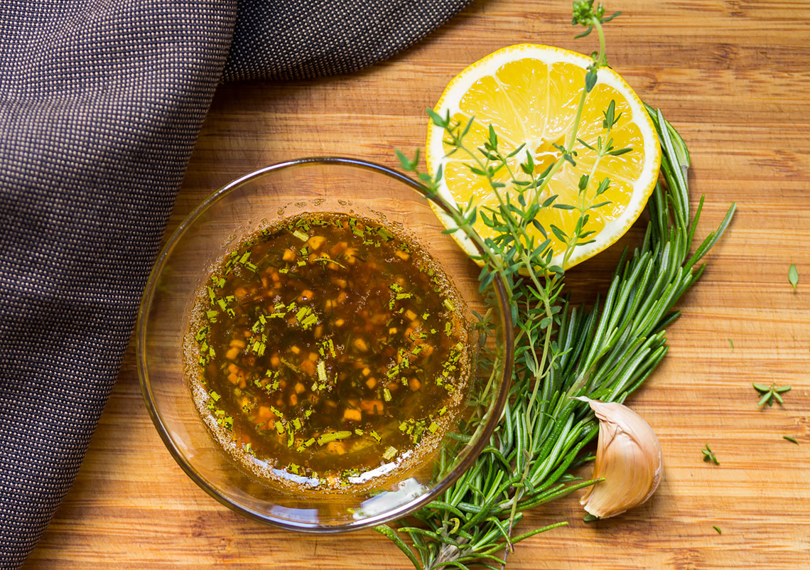 Lemon and Garlic Dipping Sauce