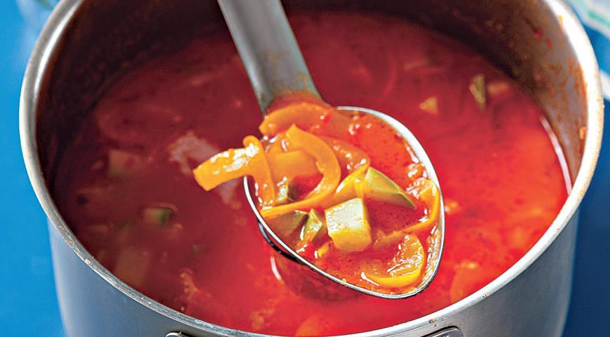 Stunning Hungarian dish with tomatoes and zucchini