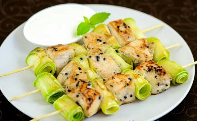 Juicy chicken shish kebab with zucchini