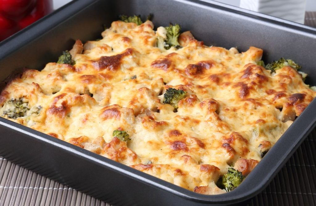 Stunning fitness recipe: chicken breast with vegetables and cheese