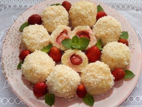 Tasty balls with strawberry