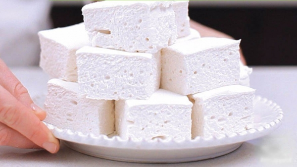 Stunningly soft and delicate marshmallows at home