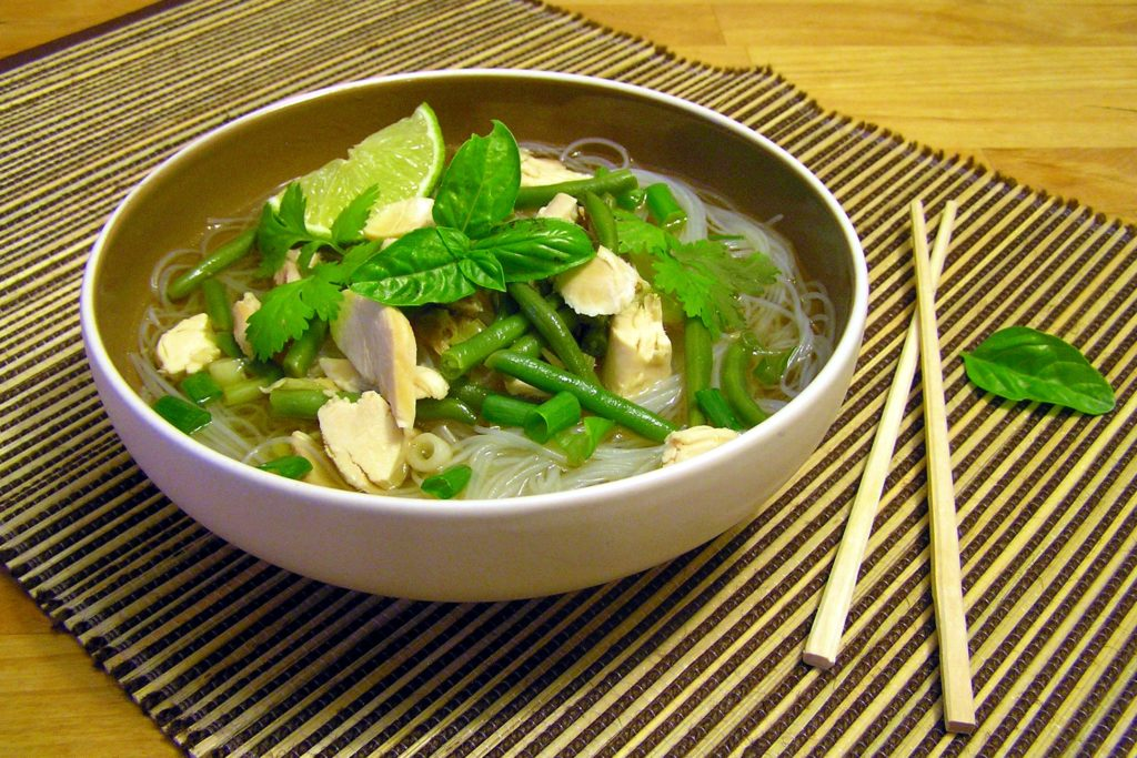 Asian-style noodles with green beans