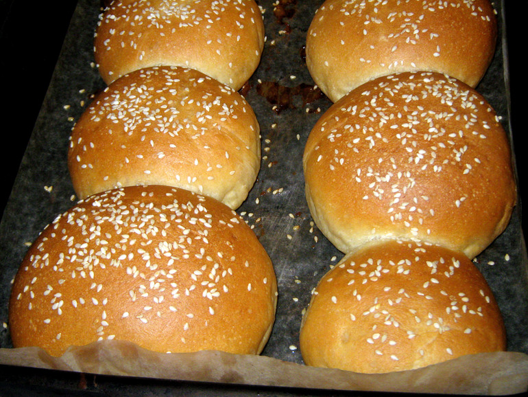 Delicious buns for home hamburgers