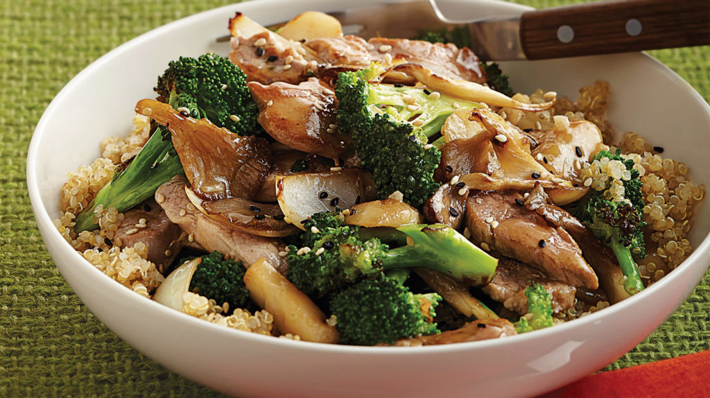 Pork with broccoli in wok