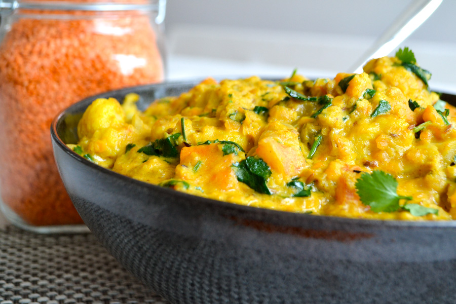 Potatoes are baked in coconut milk with curry leaves