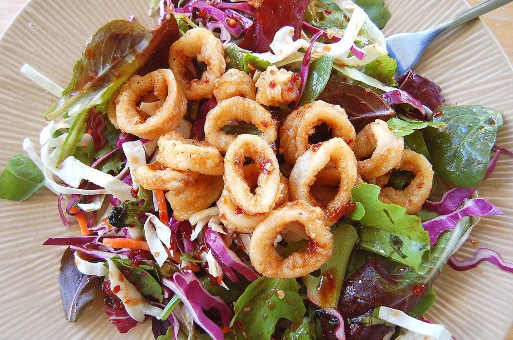 Salad with crispy squid