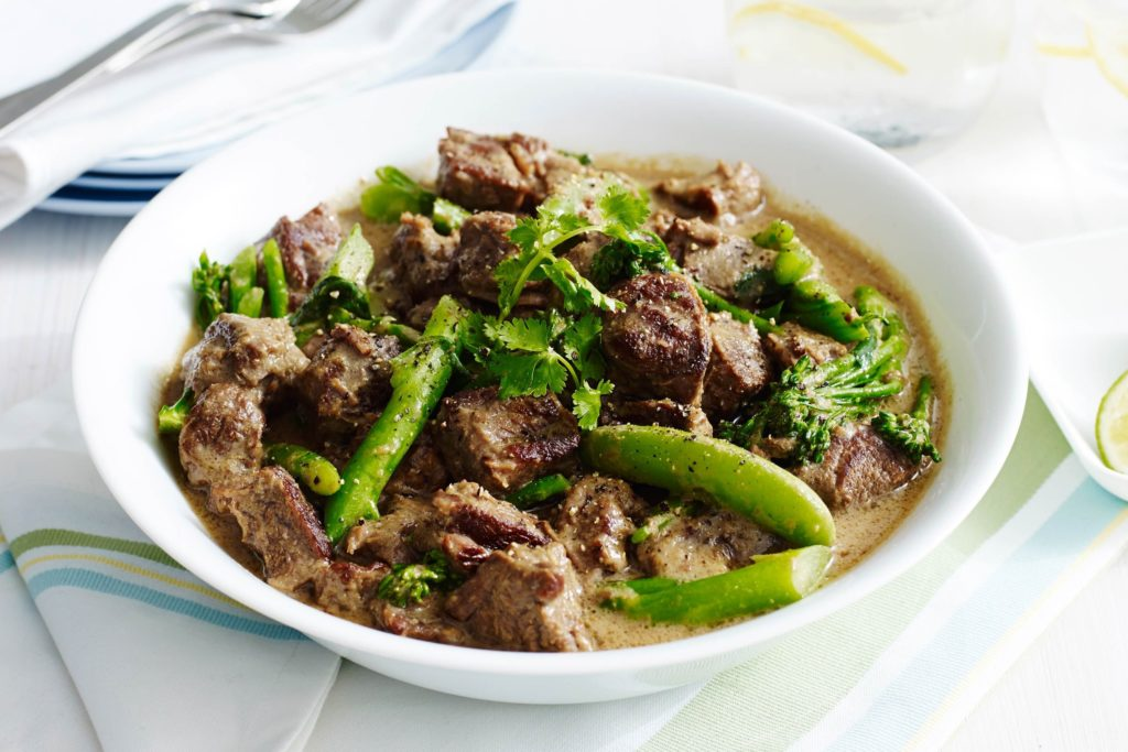 Green curry with eggplant and beef