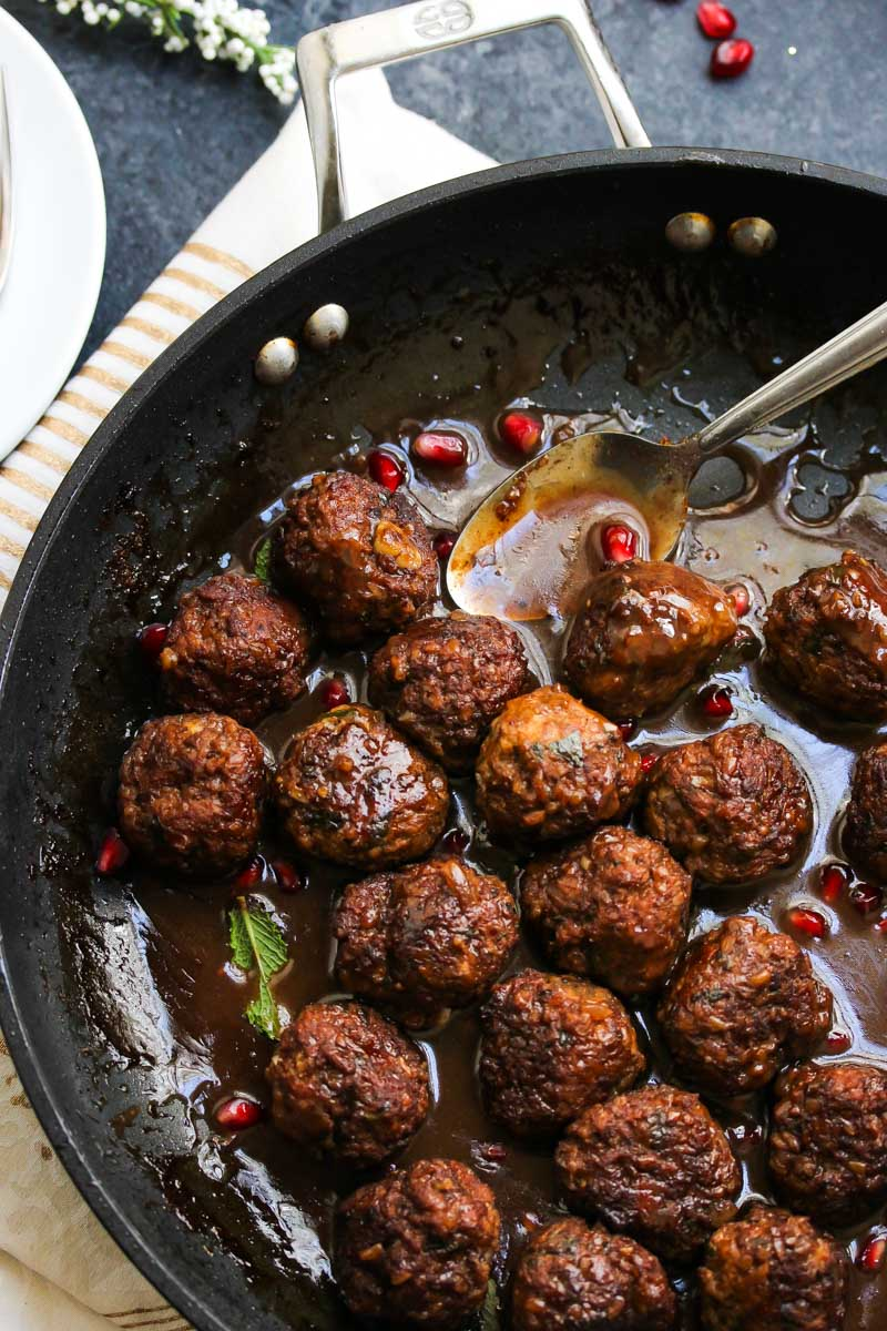 Bulgar and Beef Meatballs in Pomegranate Sauce