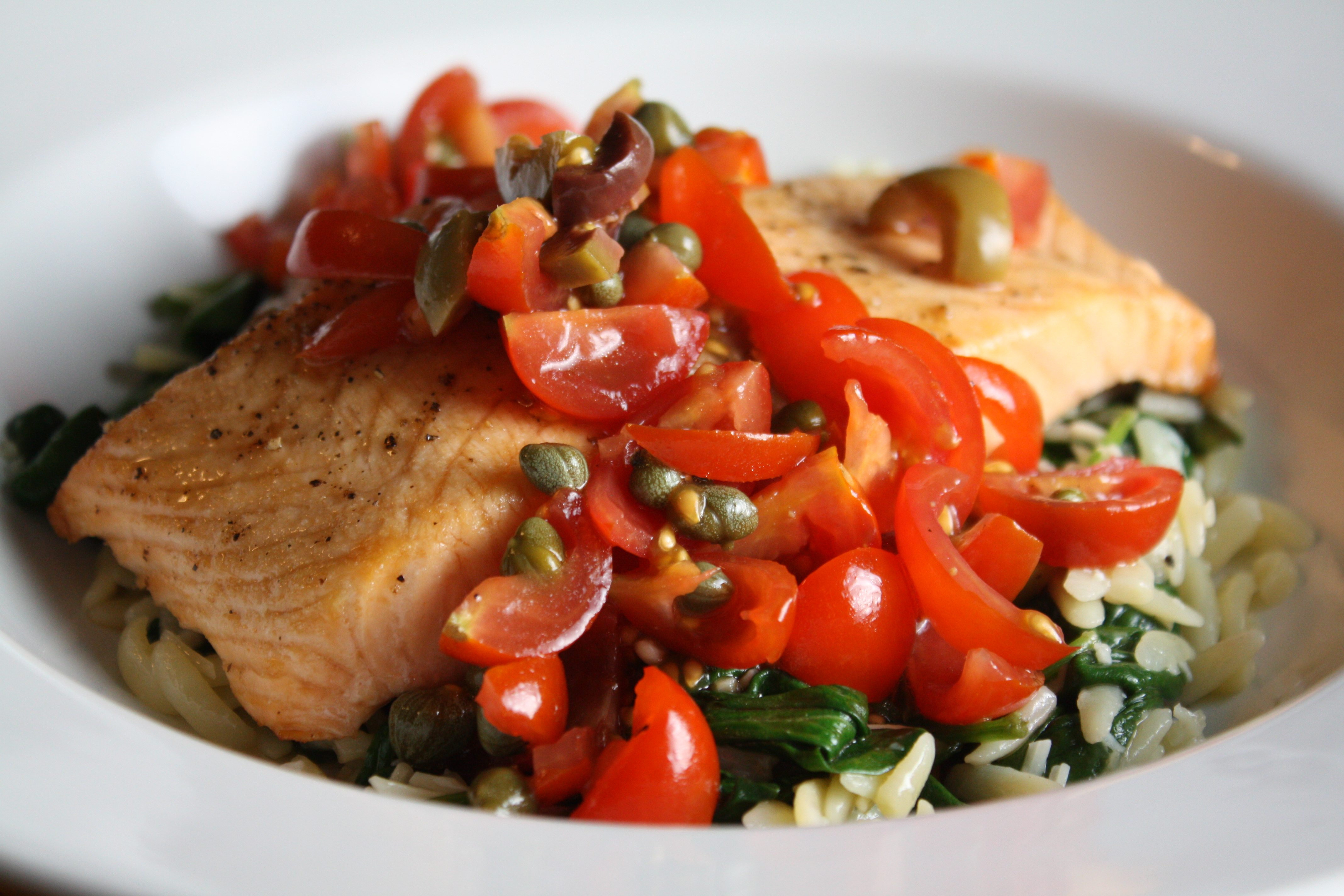 Pan-Seared Salmon with Cherry Tomatoes