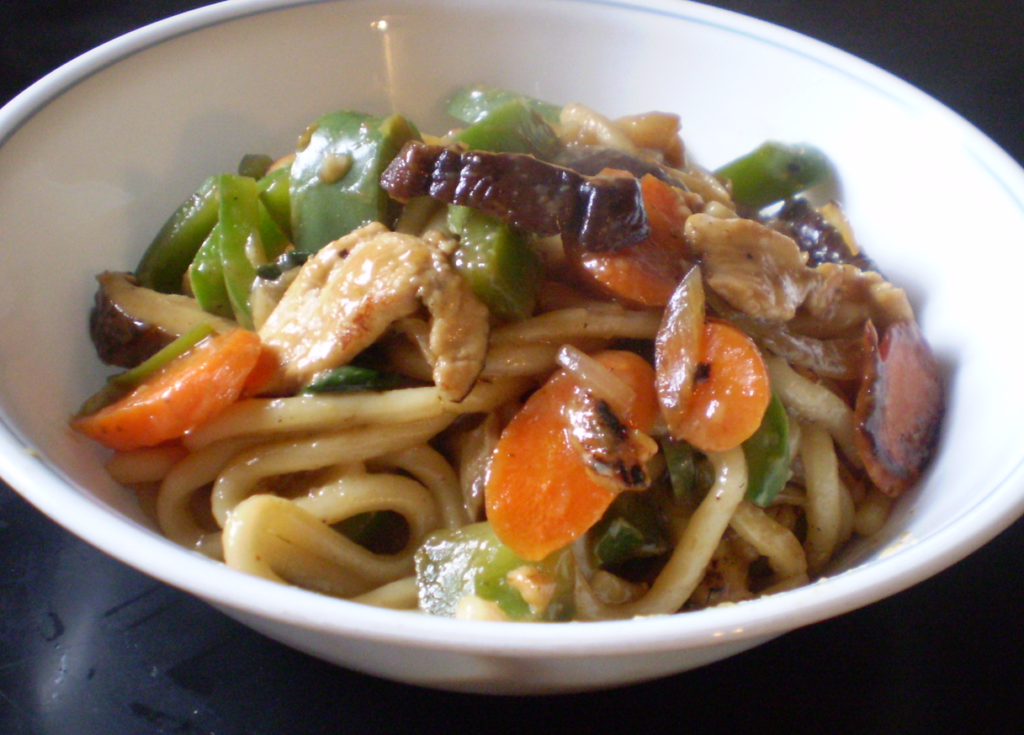 Udon noodles with chicken and vegetables