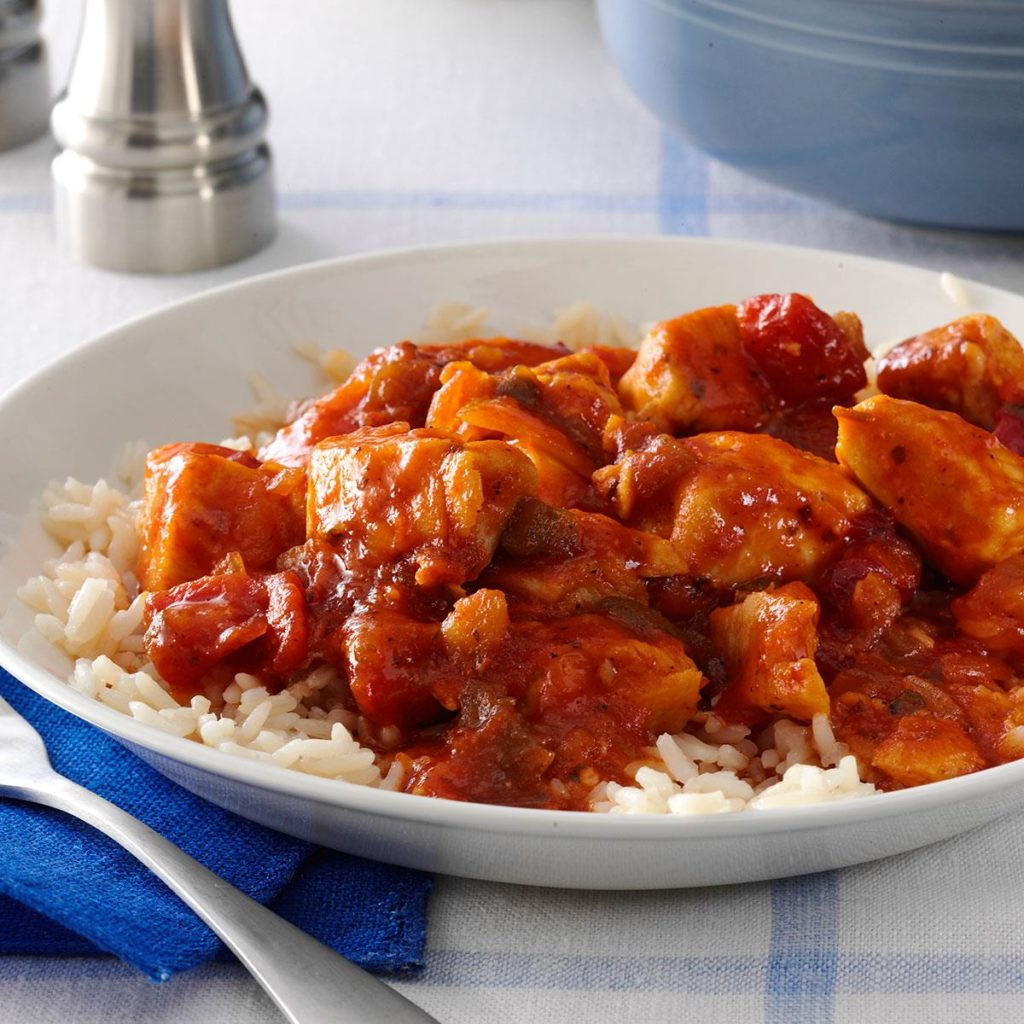 Chicken in a spicy sauce - a recipe for Greek cuisine