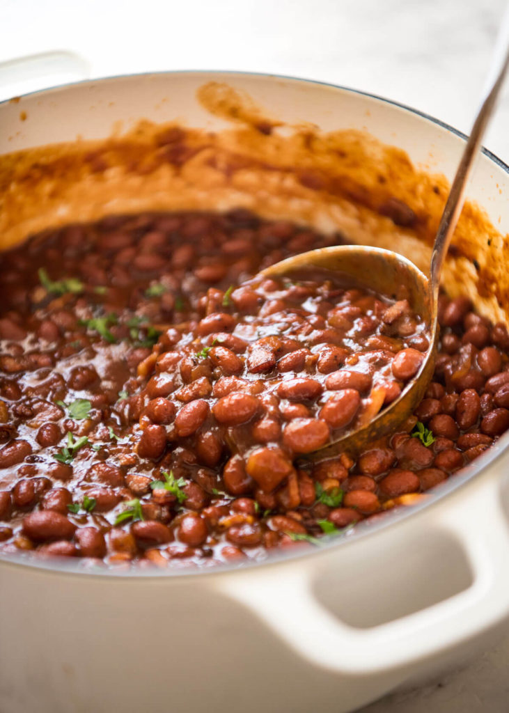 Beans in tomato sauce with bacon: nourishing and amazingly delicious!