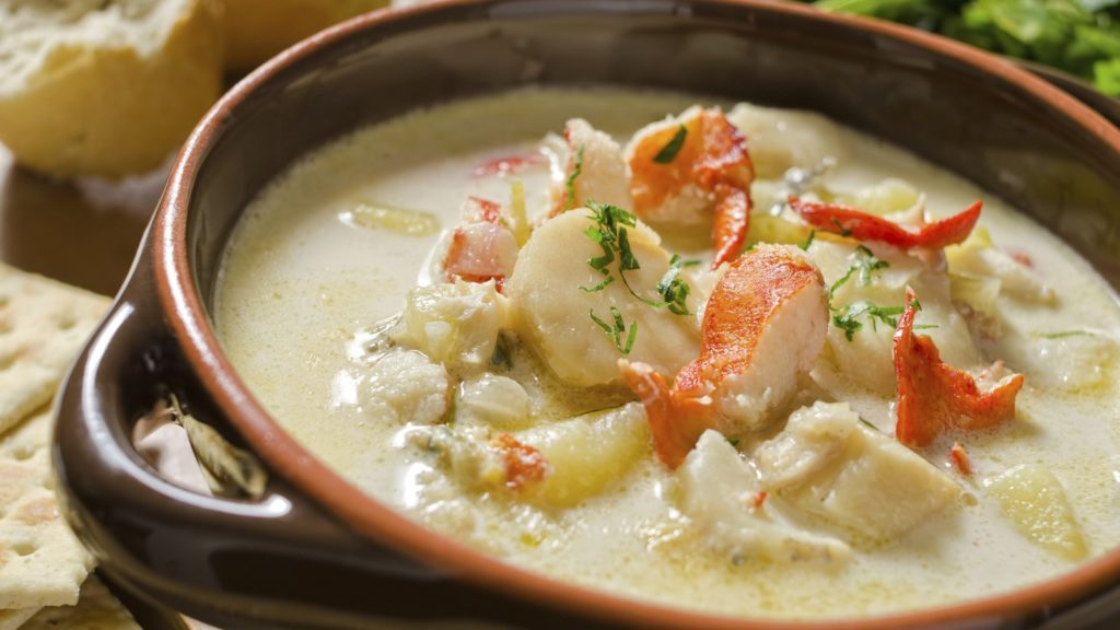 Cream soup with fish and seafood: a recipe for German cuisine