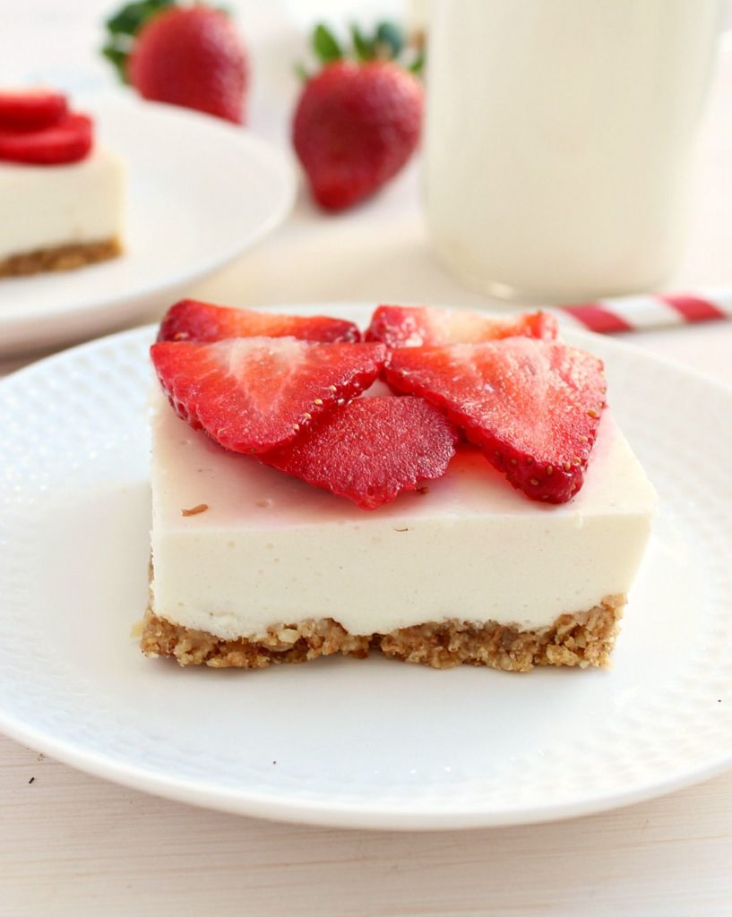 Cottage cheese cake with strawberries