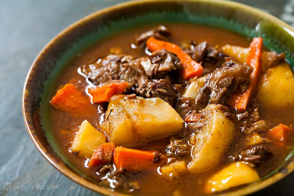 Duck stewed with roots