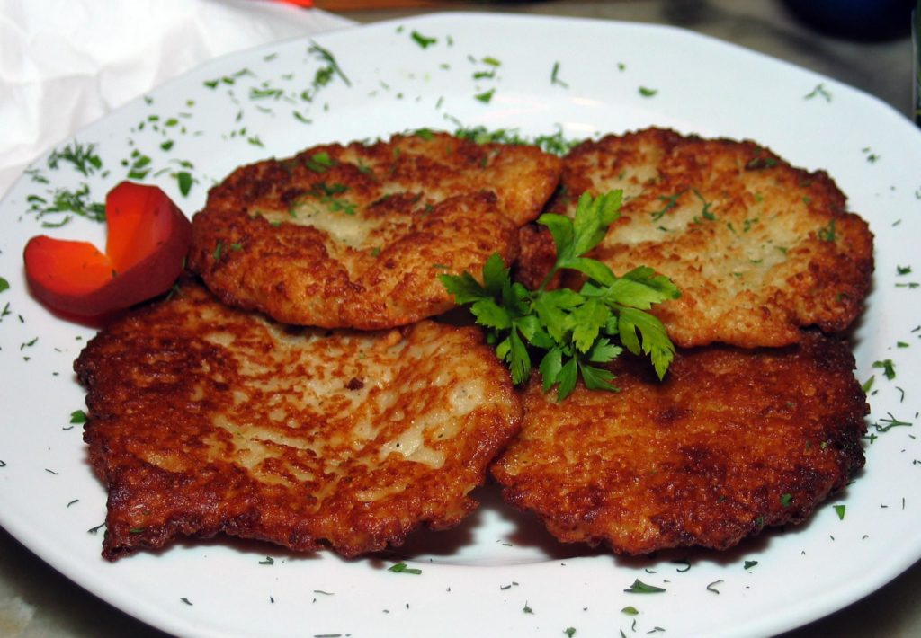 Potato cutlets with sour-mushroom sauce