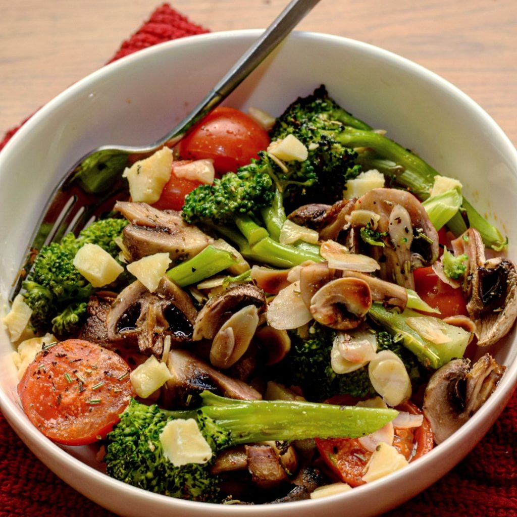 Salad with mushrooms and vegetables according to the old Greek recipe