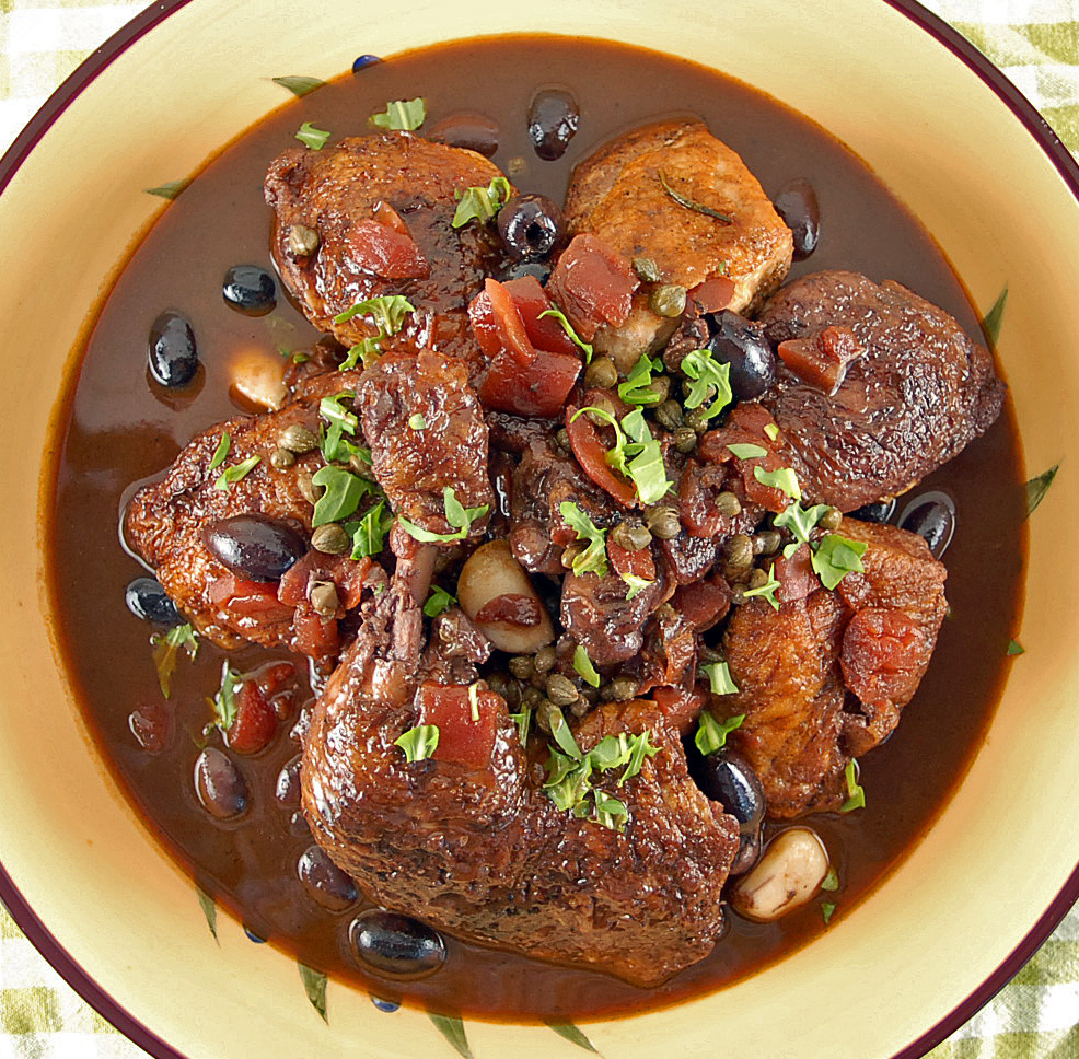 The chicken stewed in wine: you will just come in amazement!
