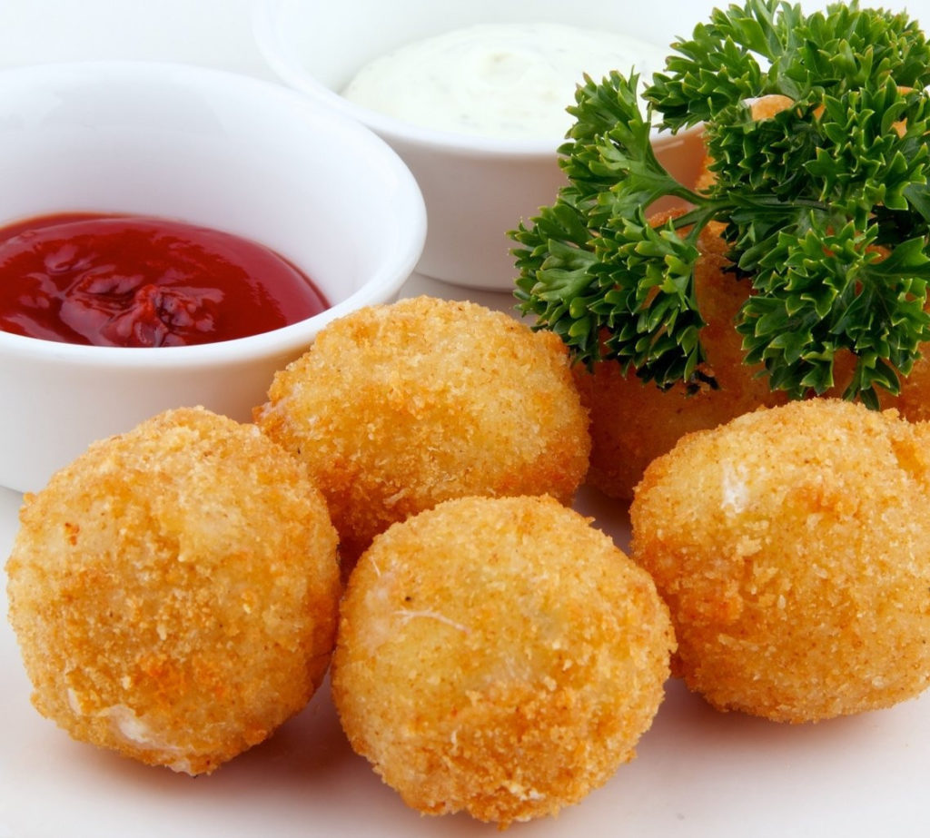Original snack from cheese: cheese balls with garlic