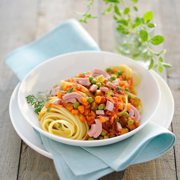 Linguine with tuna and peas