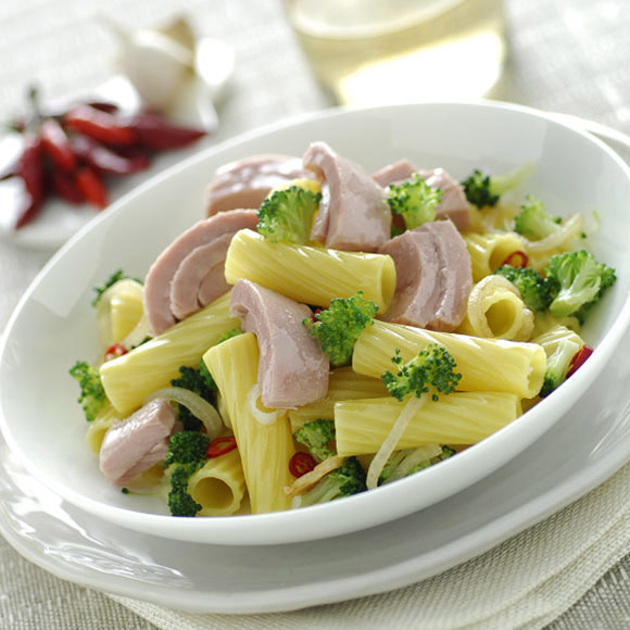 Apulian pasta with tuna and broccoli