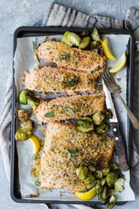 Appetizing Baked Salmon with Parmesan Herb Crust