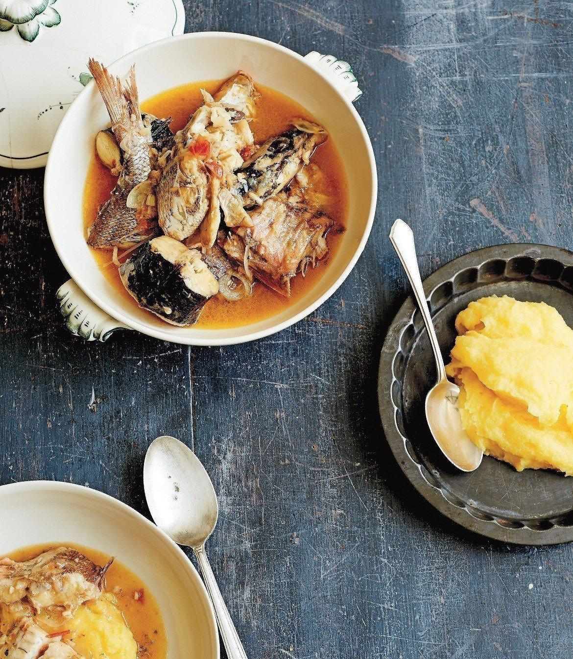 Simple rules of eel fish soup preparation
